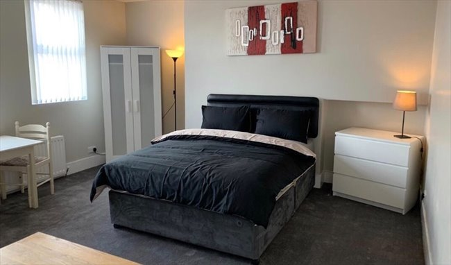 43be65e6c12f Here we have several spacious fully furnished double rooms to let located on  the Antrim Road, 10 mins walk to City Centre and The University of Ulster  ideal ...