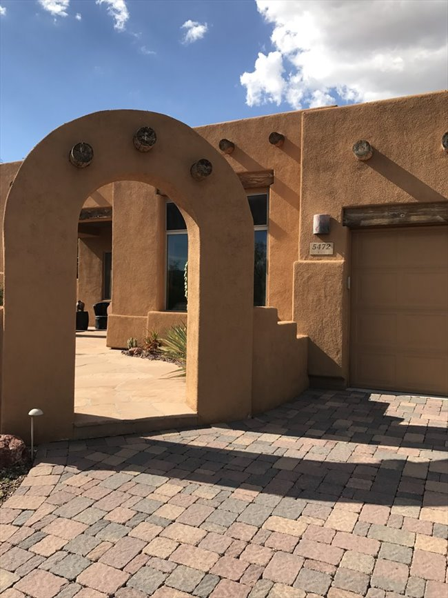 Home to share with Professional. Month to month option. Great for someone who travels to Tucson freq