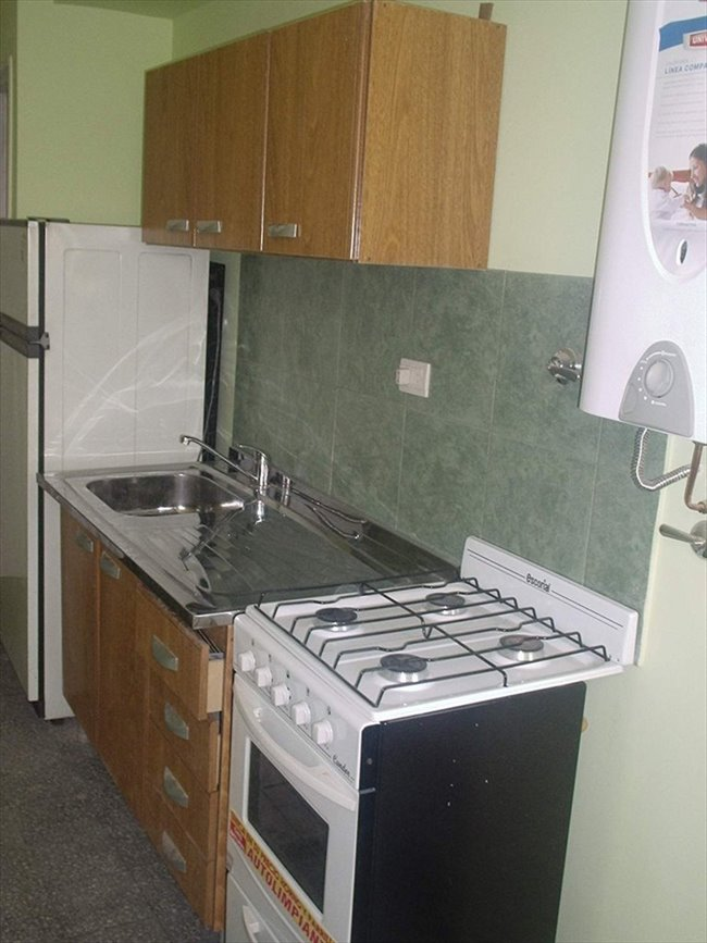 Habitaciones en alquiler - Buenos Aires - DEPTO SÓLO SEÑORITAS JÓVENES QUE ESTUDIEN Y/O TRABAJEN | CompartoDepto - Image 3