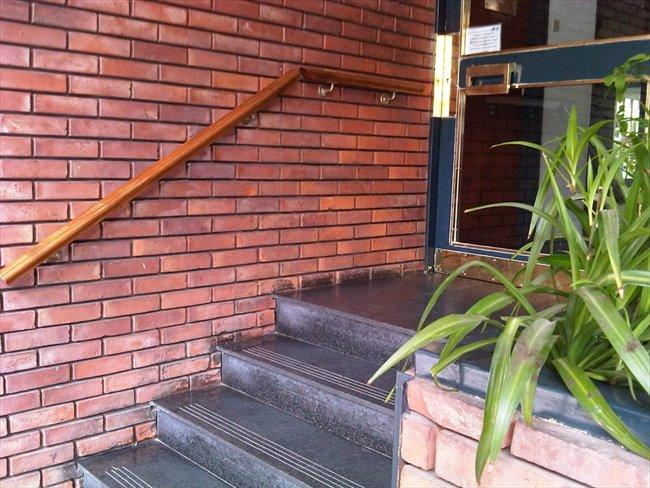 Habitacion en alquiler en Buenos Aires - Ofrezco gran habitación individual y amplio jardín   CompartoDepto - Image 4