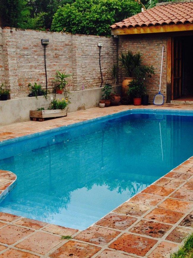 Habitacion en alquiler en Córdoba - Habitación en casa grande con pileta en Alta Cba   CompartoDepto - Image 3