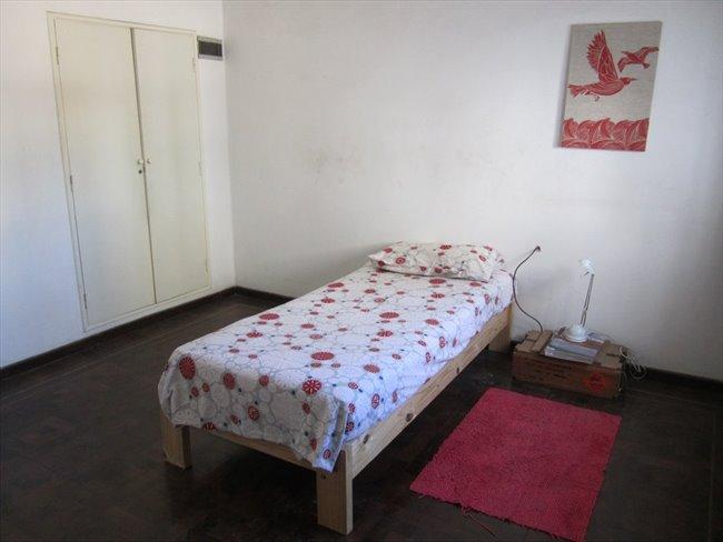 Habitacion en alquiler en Córdoba - Habitación en casa grande con pileta en Alta Cba   CompartoDepto - Image 8