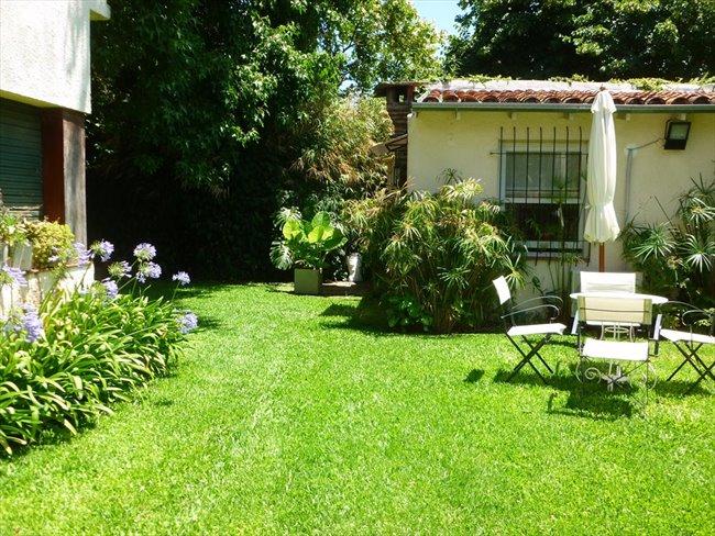 Habitacion en alquiler en San Isidro - ESPACIO TIPO LOFT CON BAÑO PRIVADO EN MARTINEZ | CompartoDepto - Image 1