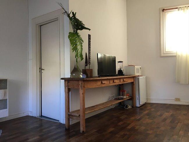 Habitacion en alquiler en San Isidro - ESPACIO TIPO LOFT CON BAÑO PRIVADO EN MARTINEZ | CompartoDepto - Image 5