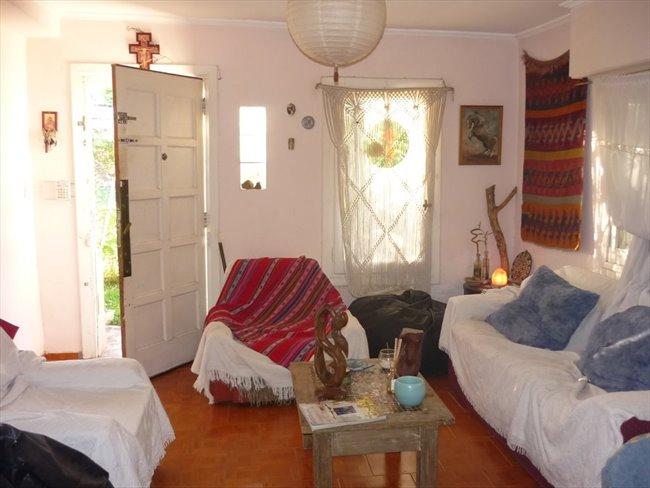 Habitacion en alquiler en Mar del Plata - habitaciones en casa de familia con mucha paz, tranquilidad y buena onda | CompartoDepto - Image 1