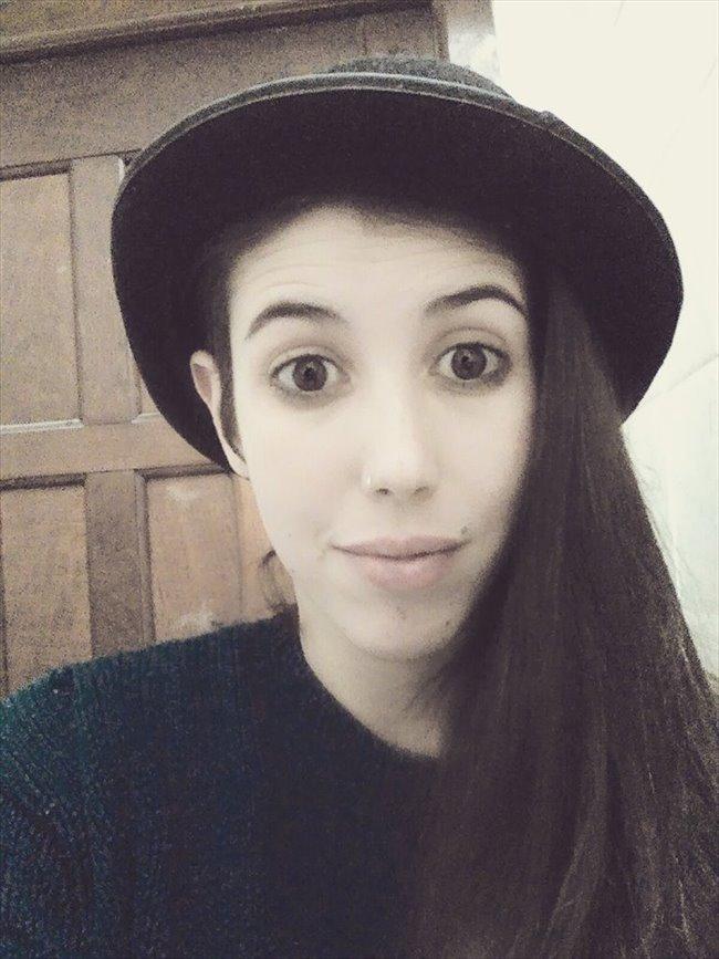 Florencia - Estudiante - Mujer - Buenos Aires - Image 2