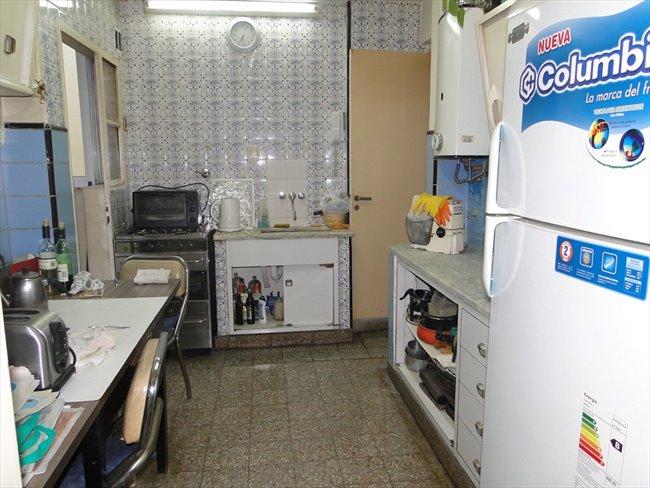 Prolijo y amplio cuarto en un departamento Almagro - Almagro - Image 7