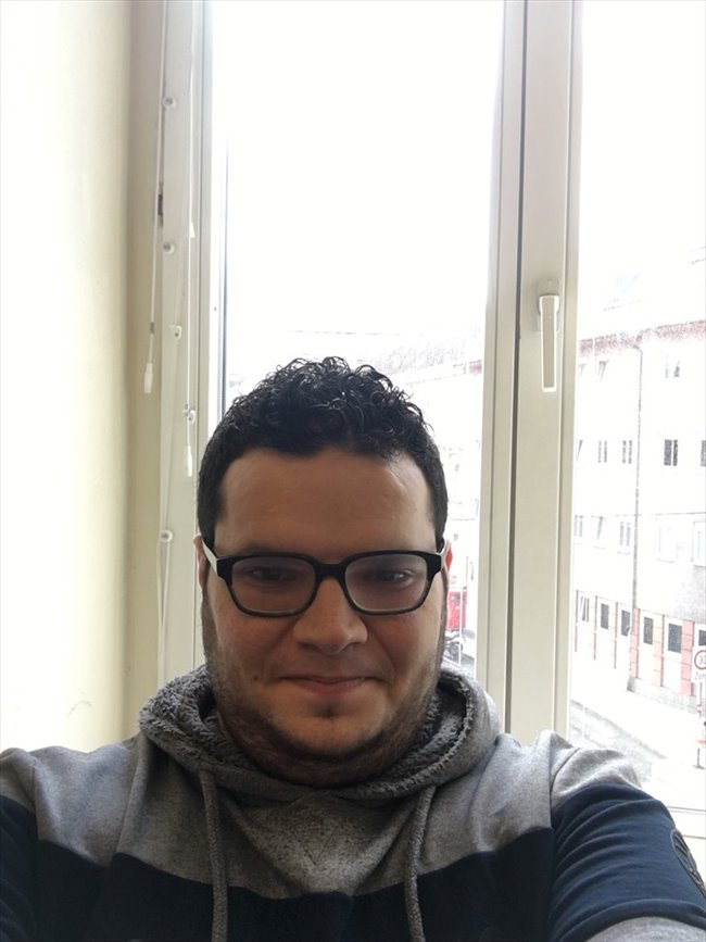 Mohamad Munawar - Beruf nicht bekannt - Mann - Wien - Image 2