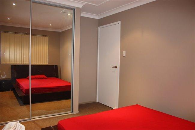 Room to rent in Lansdowne - Bankstown - Image 4