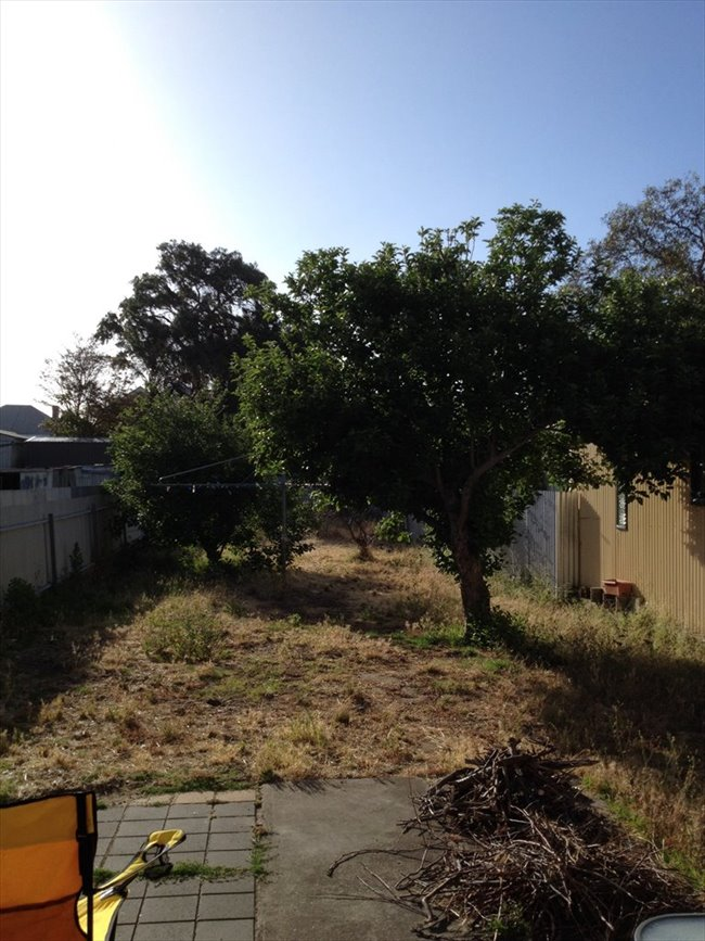 Room to rent in Alberton - Double Beachside Room for Rent 1 - 3 Months - Image 2
