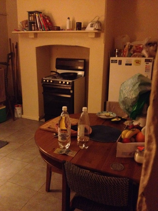 Room to rent in Alberton - Double Beachside Room for Rent 1 - 3 Months - Image 3