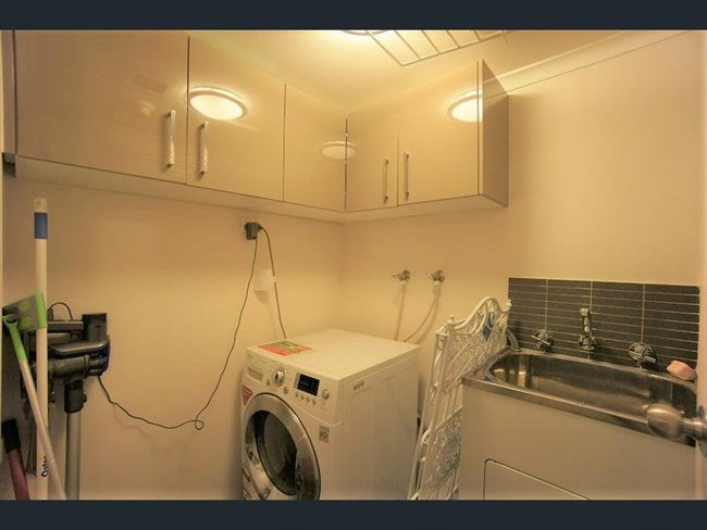 Room to rent in Adelaide - Ideal for student/office/married and single accommodation - Image 4