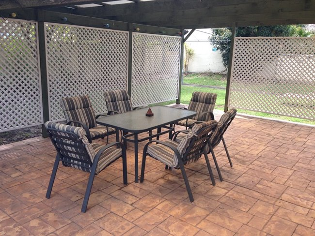 Room available in quiet neighborhood Bundall - Bundall, Central Gold Coast - Image 3