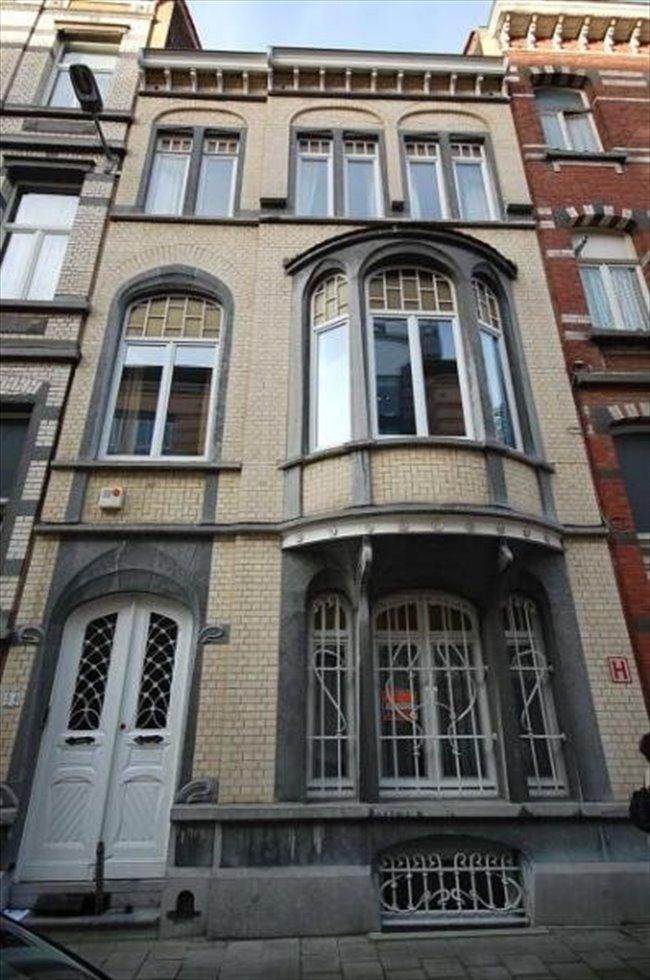 Colocation à Etterbeek - chambre meublée dans une belle maison ART NOUVEAU | Appartager - Image 2