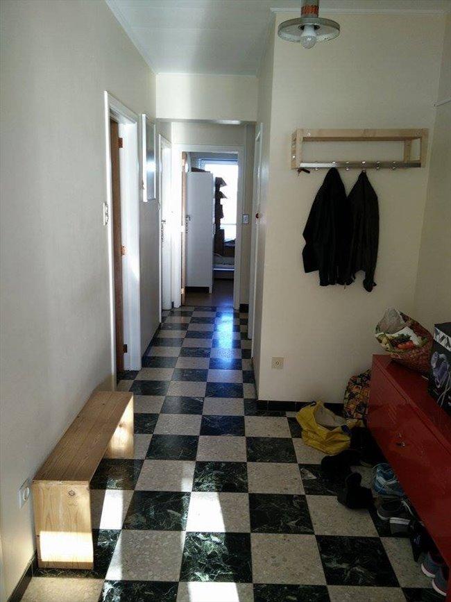 Colocation à La Louvière - petite chambre dans appartement meublé au 4e étage d'un immeuble   Appartager - Image 6