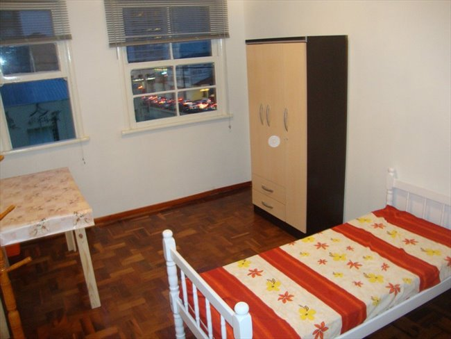 Aluguel kitnet e Quarto em Curitiba - Temos um quarto vago   EasyQuarto - Image 1