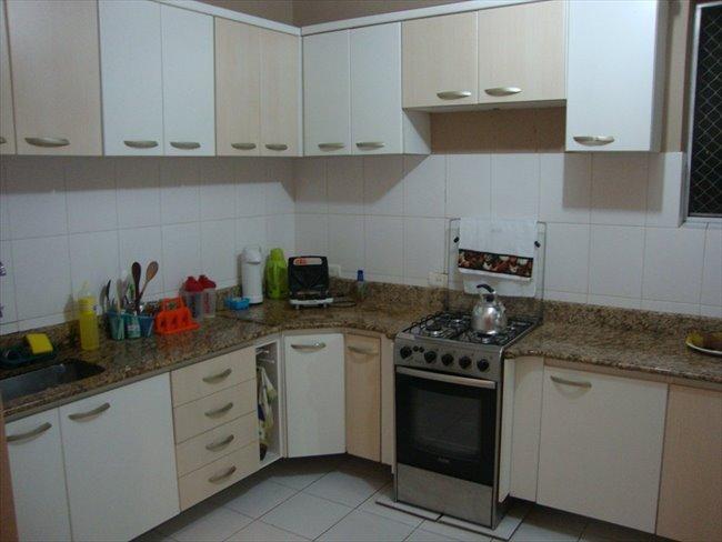 Aluguel kitnet e Quarto em Curitiba - Temos um quarto vago   EasyQuarto - Image 2