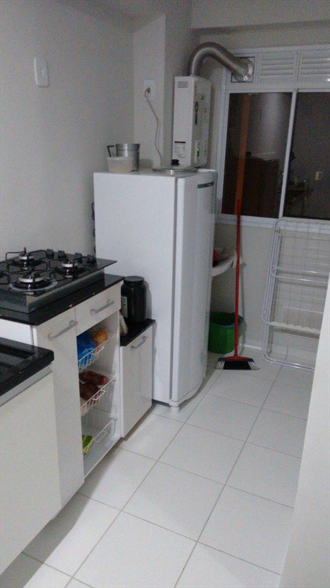 Alugo Quarto - Curitiba - Quarto para locação - UP Life Pinheirinho | EasyQuarto - Image 1
