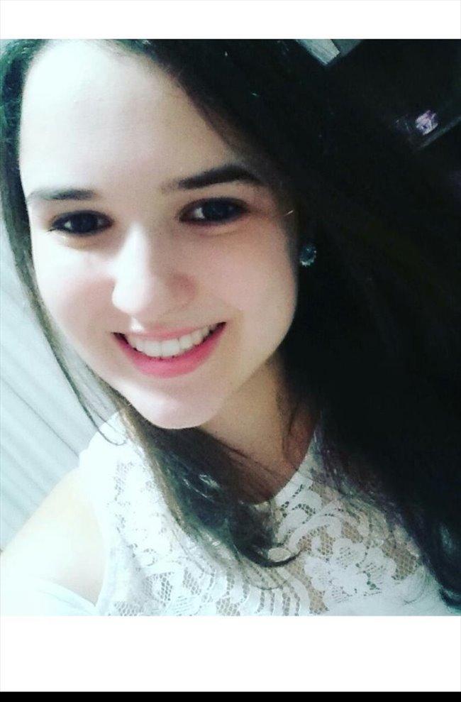 Luana Caroline Regiani - Estudante - Feminino - Campinas - Image 1