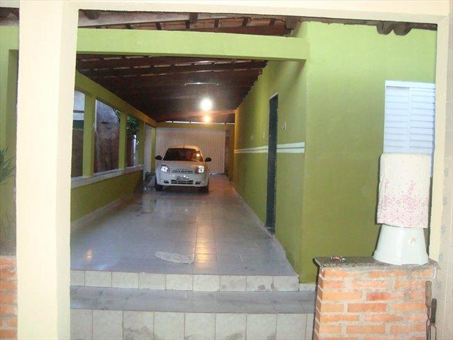 Alugo Kitnets no CPA 2, Esquina com a Av. Brasil - Região Sul - Image 4