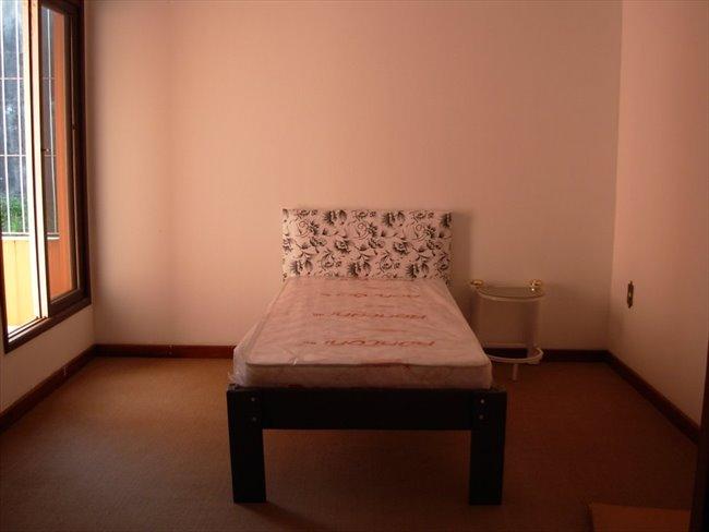 Alugo Quarto - Grande Florianópolis - Aluga-se quartos! | EasyQuarto - Image 1