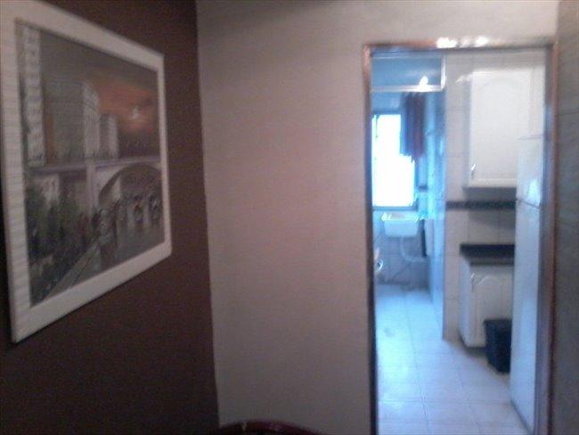 Suites com banheiro privativo em Santo Amaro, de  18 mts, mobiliadas - Santo Amaro - Image 2