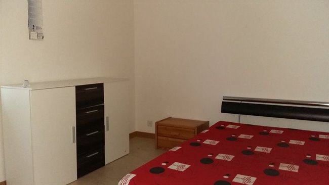 Colocation à Zürich - WG Zimmer zu vermieten in Oberglatt ZH! | EasyWG - Image 1