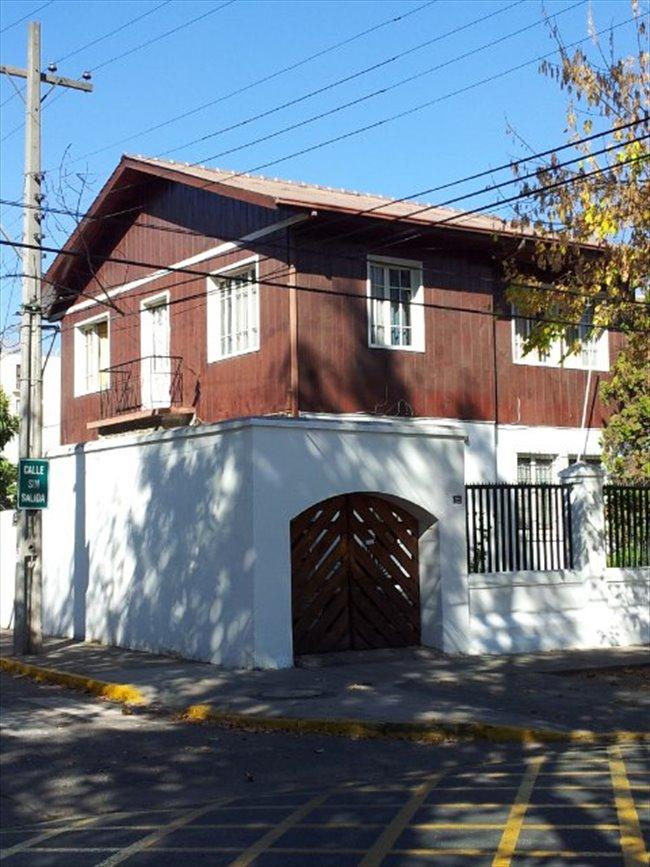 Pieza en arriendo en Ñuñoa - Casona Plaza Ñuñoa   CompartoDepto - Image 1