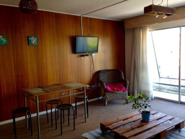 Pieza en arriendo en Concepción - Habitaciones  disponibles en dpto a dos cuadras de Udec | CompartoDepto - Image 2