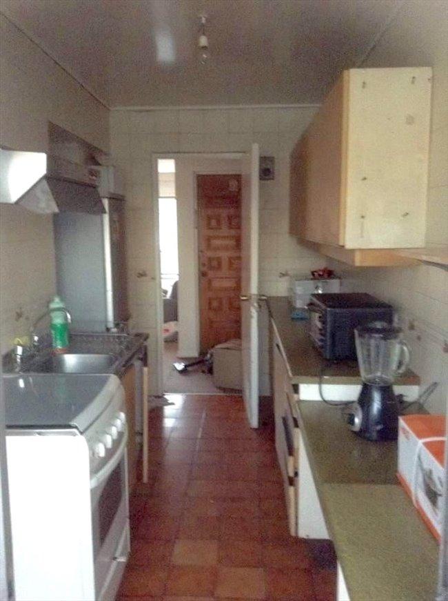Pieza en arriendo en Concepción - Habitaciones  disponibles en dpto a dos cuadras de Udec | CompartoDepto - Image 3