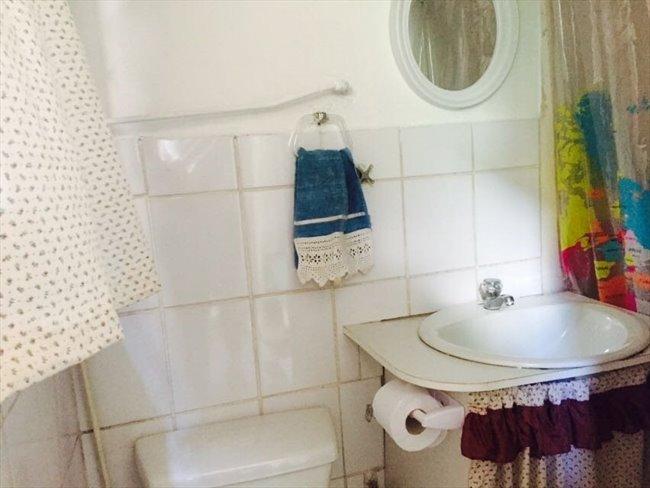 Piezas en Arriendo - Viña del Mar - Habitación con baño propio central. | CompartoDepto - Image 6