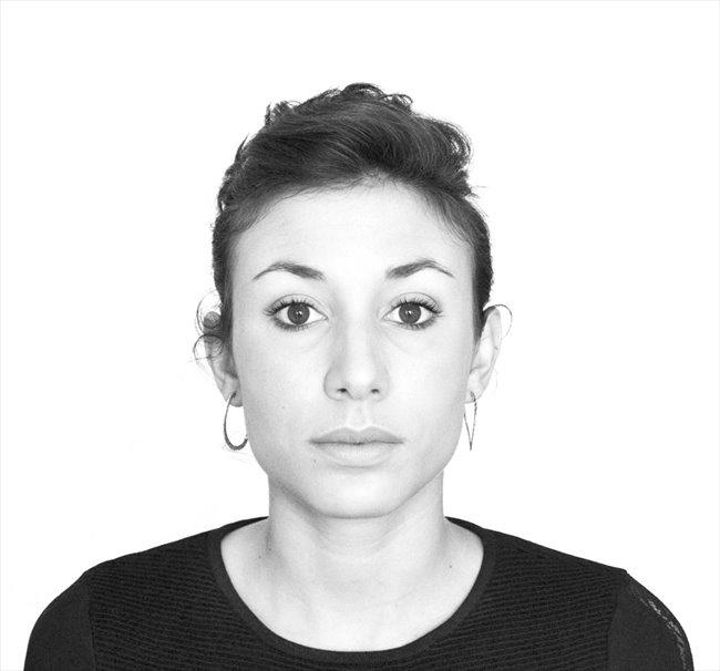 Viola - Estudiante - Mujer - Providencia - Image 1