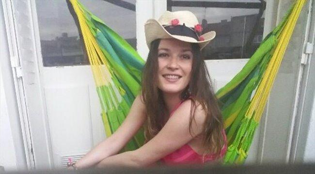 Nadege - Estudiante - Mujer - Santiago Centro - Image 1