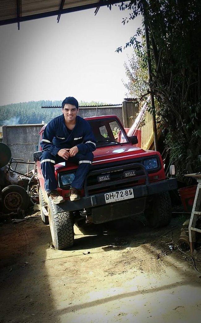 Andrés  - Estudiante - Hombre - Concepción - Image 1