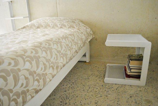 Habitacion en arriendo en Bogotá - Aparta-Estudio Privado Sencillo en La Macarena | CompartoApto - Image 2