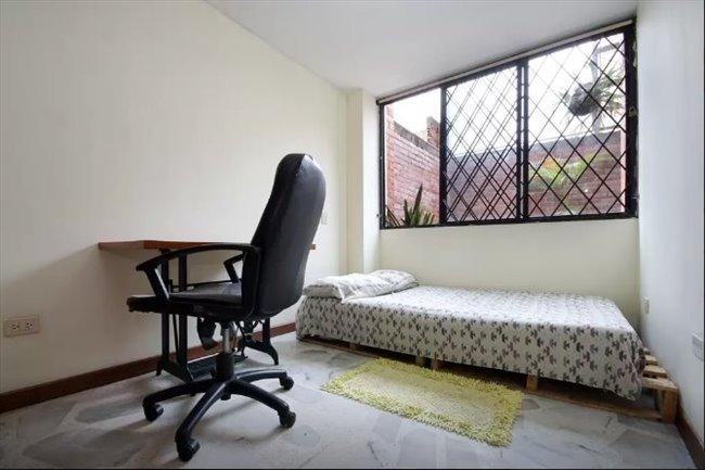 Habitacion en arriendo en Cali - 203 MCSA - Multi Cultural Shared Apartment | CompartoApto - Image 1