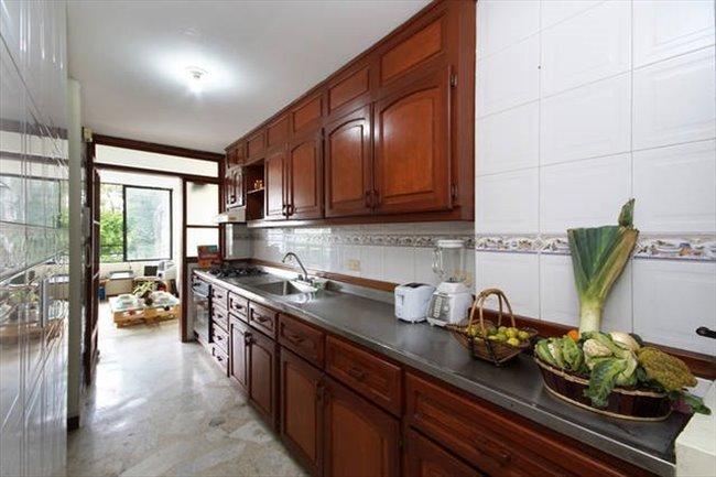Habitacion en arriendo en Cali - 203 MCSA - Multi Cultural Shared Apartment | CompartoApto - Image 3