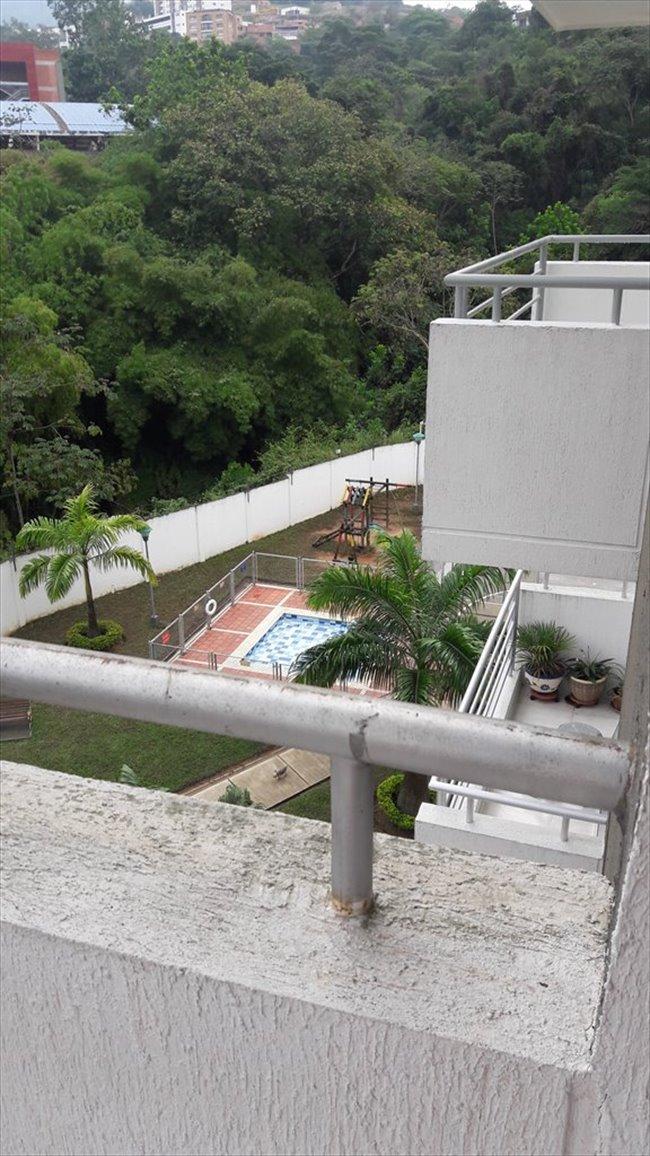 Habitaciones en arriendo - Rionegro - Arriendo Habitación para dama  | CompartoApto - Image 2
