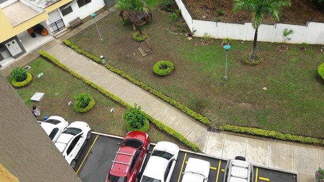 Habitaciones en arriendo - Rionegro - Arriendo Habitación para dama  | CompartoApto - Image 4