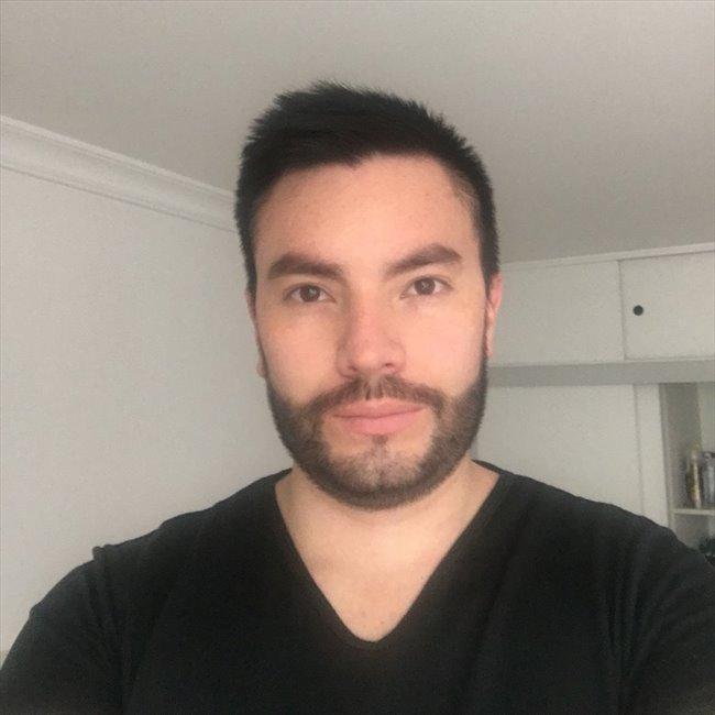 ivan - Profesional - Hombre - Bogotá - Image 1