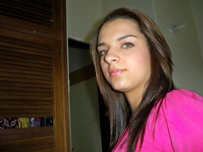 vanesa - Estudiante - Mujer - Medellín - Image 1