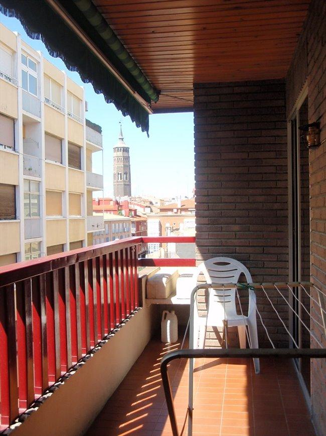 Piso compartido zaragoza gran habitacion tipo suite for Pisos 1 habitacion zaragoza