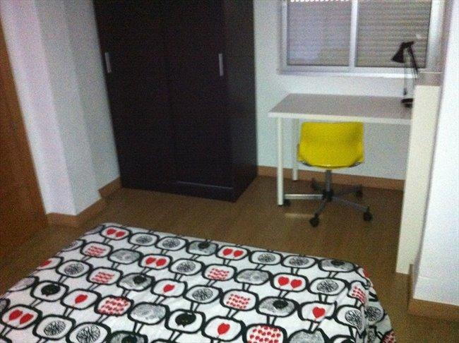 Piso Compartido en Malaga - UMA El Ejido REFORMADO muebles nuevos.2014/15   EasyPiso - Image 7