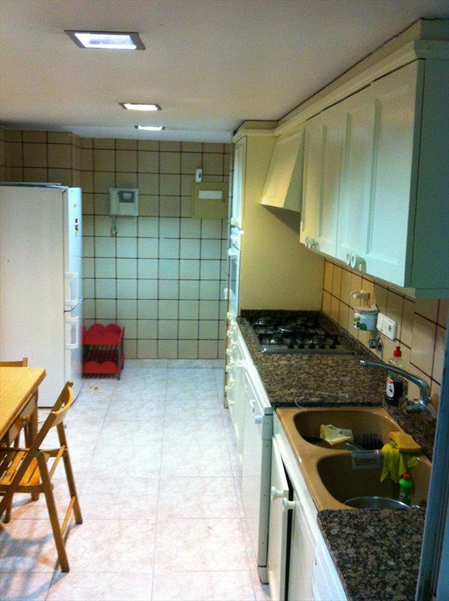 Piso Compartido - Valencia - alquiler Habitacion Estudiantes | EasyPiso - Image 3