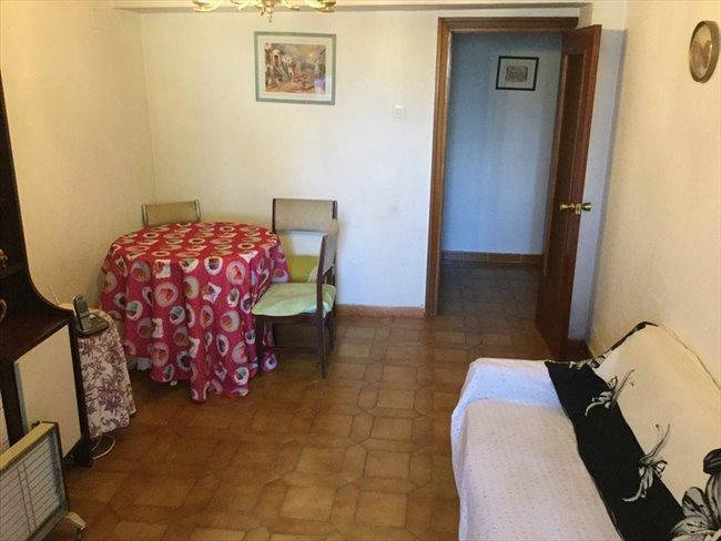 Piso Compartido en Tetuán - habitacion grande luminosa solo chica estudiante--cerca UNIVERCIDADES-MADRID   EasyPiso - Image 7