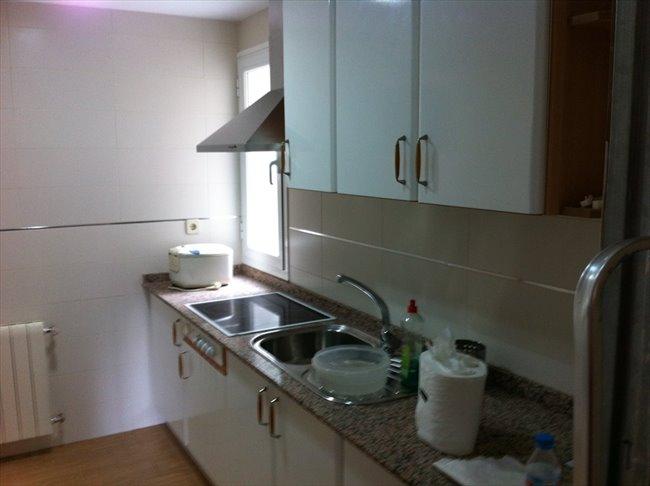 Piso Compartido en Leganés - Habitación de Alquiler Getafe 27 Leganés (Madrid) | EasyPiso - Image 2