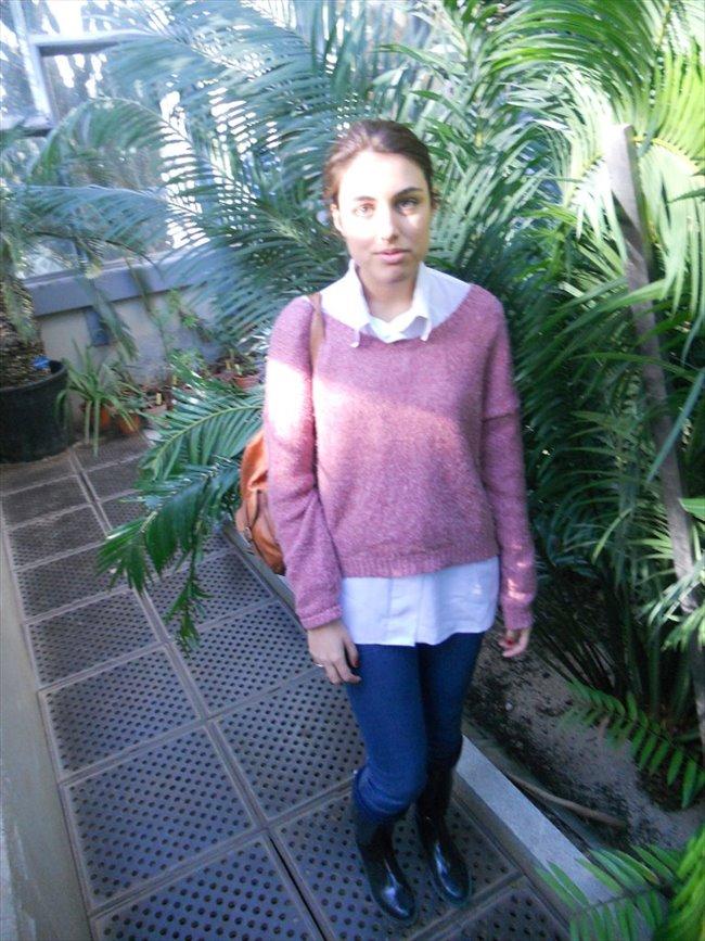 ines - Estudiante - Mujer - Madrid - Image 1