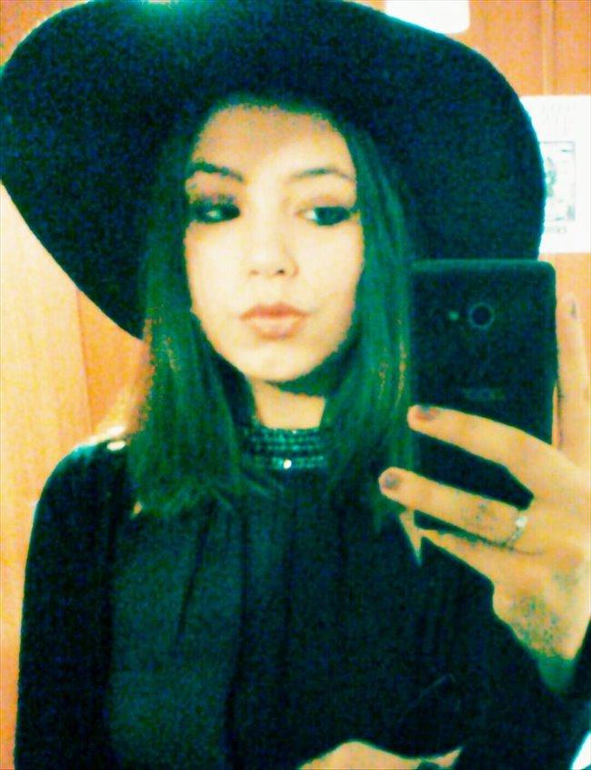 Leah - Estudiante - Mujer - Madrid - Image 1