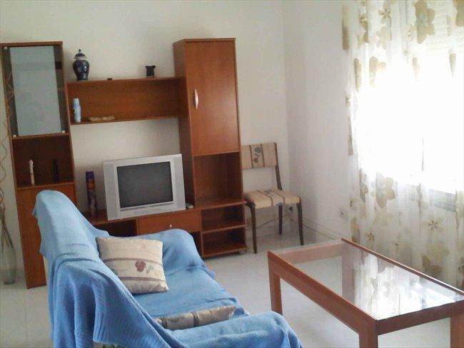 Piso Compartido - Valladolid - Alquilo habitacion (piso compartido) a estudiante | EasyPiso - Image 1