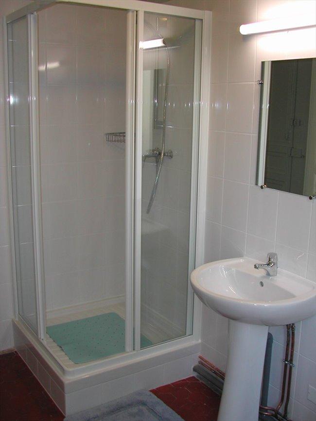 rencontrer des hommes beaux site de rencontre 100 gratuit pour ado. Black Bedroom Furniture Sets. Home Design Ideas